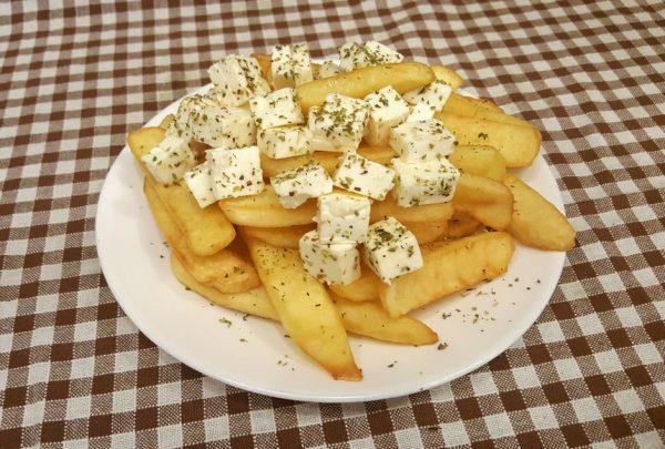 Πατάτες τηγανητές με φέτα